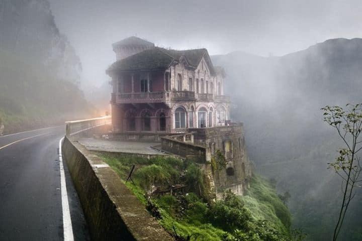 Hotel a la orilla del acantilado Foto: Mysterious Monsters