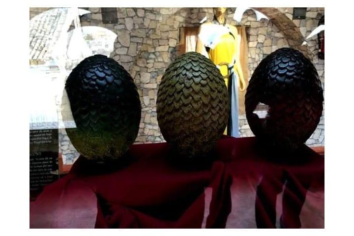 Huevos de dragon Foto de Facebook Sevilla pa tiesos