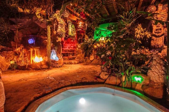 Jacuzzi del Airbnb temático Foto: Airbnb