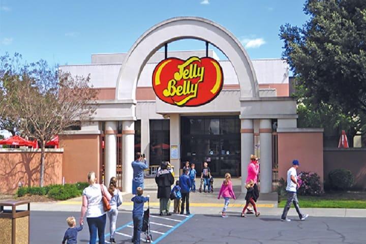 No te resistas y visita la Fábrica Jelly Belly para probar sus exquisitas golosinas. Foto: Your Town Monthly