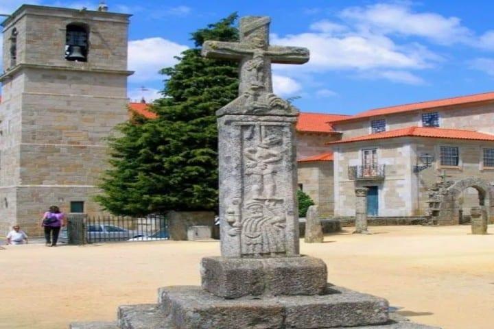 La cruz que representaba historia del gallo de los Barcelos Foto: Wikimedia