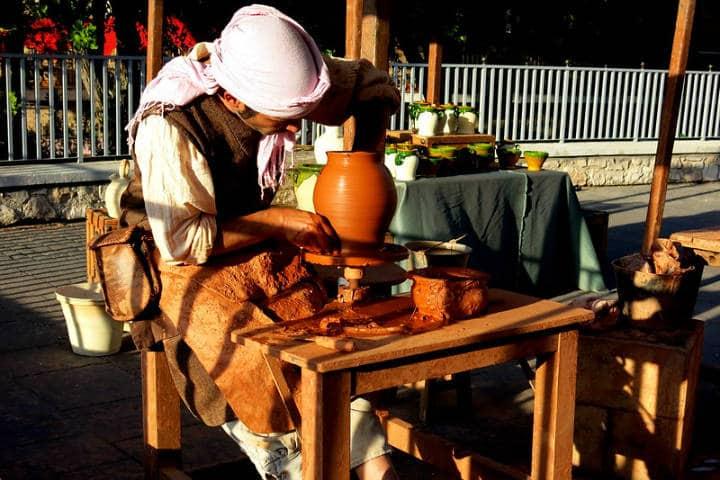 Los-alfareros-son-artesanos-del-barro-Foto-manuel-m.-v.