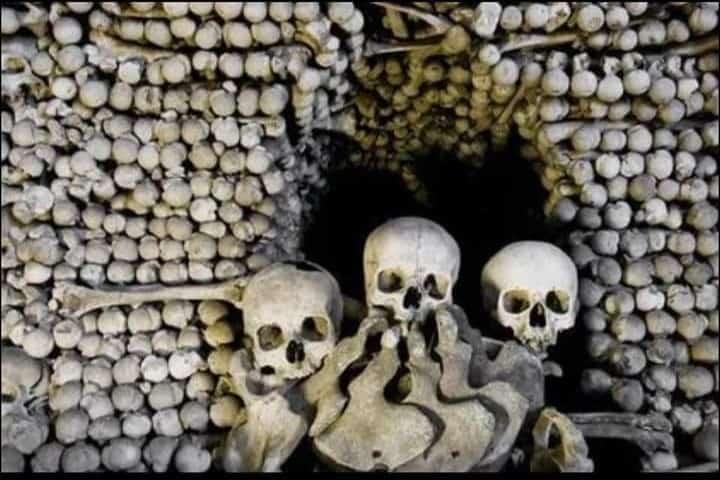 Los huesos en el Osario de Sedlec Foto: Gerardo Flores