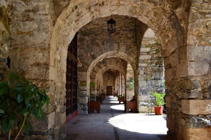 Los pasillos de la Hacienda de Santa María Regla Foto MX City