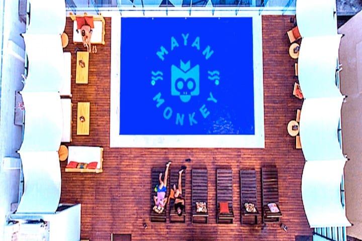 Relajate en la alberca del mejor hostal de Cancún Foto: Zona Turística