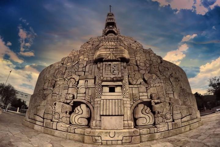 Monumento a la patria en Yucatán. Foto J. Luis Montejo
