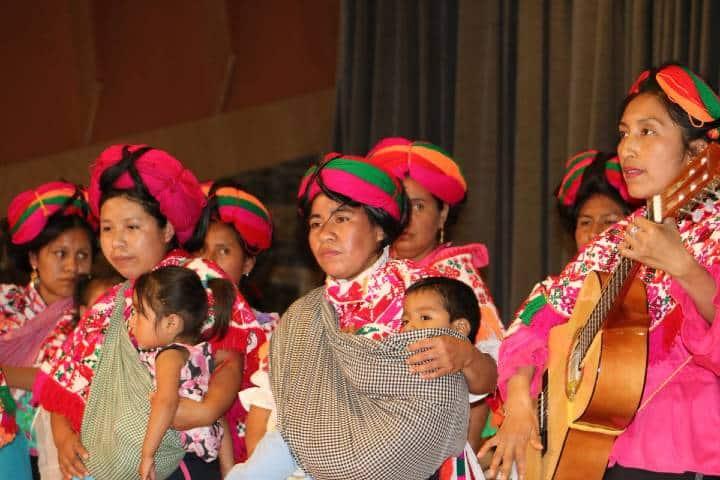 Mujeres Teeneks. Foto: SEGE SLP