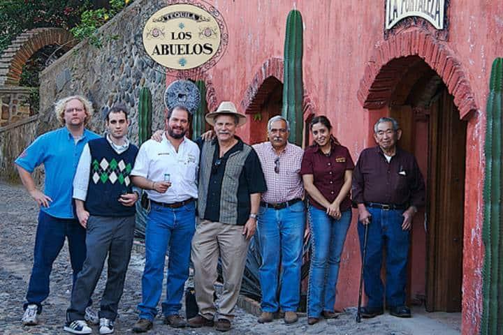 Museo Familia Sauza (Guillermo Guayabera Negra)-Foto-Tequila México