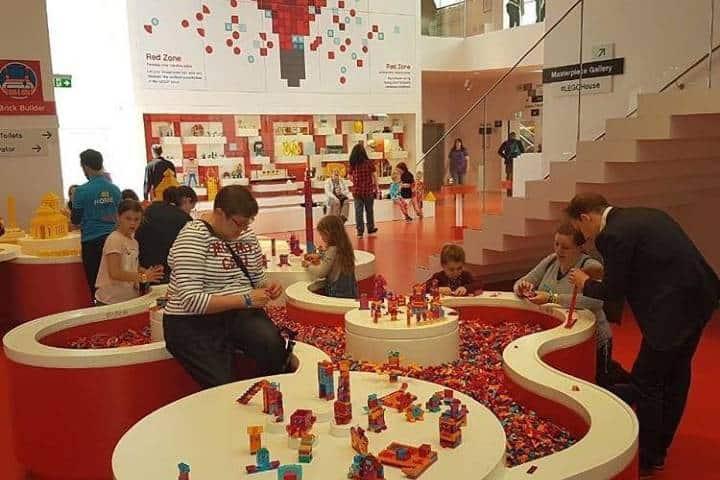 Nada como conocer la Fábrica de Lego. Foto: sophusviagens