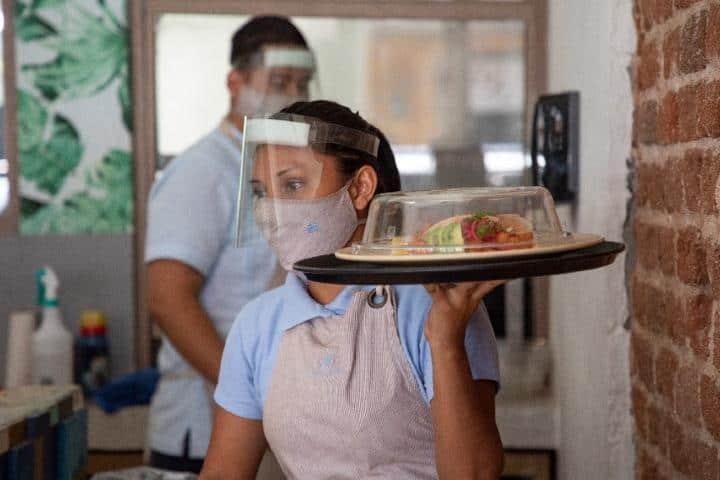 Nueva modalidad restaurantero, La Paz ha reforzado sus medidas sanitarias Foto: Archivo