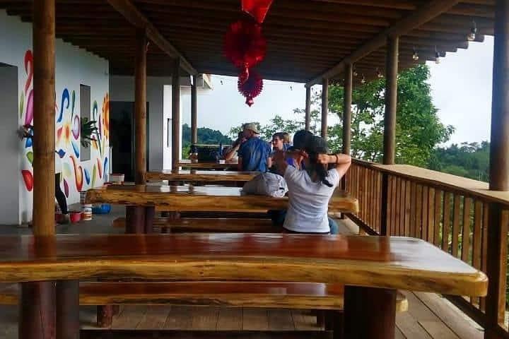 Restaurante dentro del Hostal Sierra Minca. Foto: Facebook