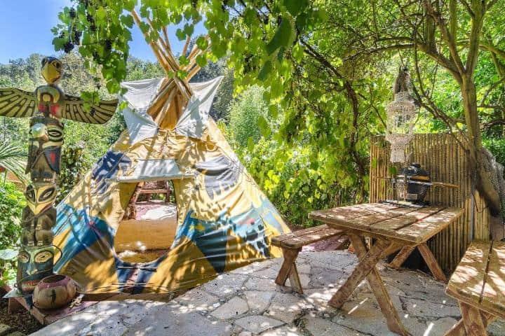 Tepee en la cabaña temática de Piratas del Caribe Foto:: Airbnb