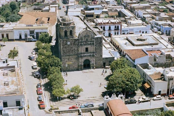 Tequila-Templo-y-Plaza.-Foto_-Tequila-Mexico