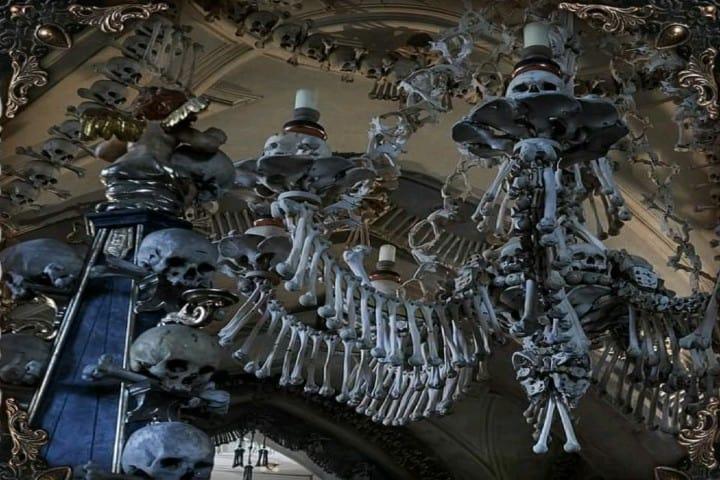 Un macabro lugar en República Checa Foto: sedlec.ossuary | Instagram