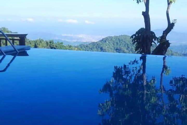 Vista desde la piscina. Foto Facebook Hostal Sierra Minca.