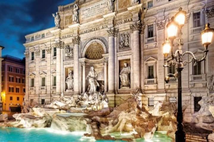 Vista nocturna de la Fontana Di Trevi Foto_ Ok Diario