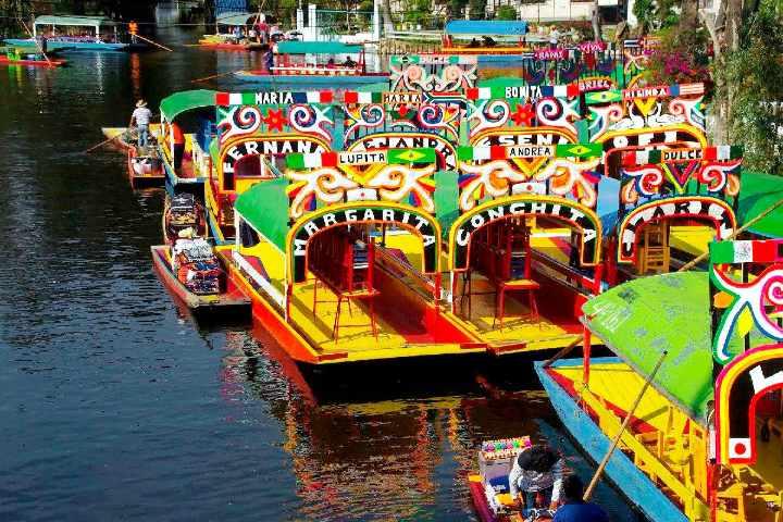 Xochimilco-trajineras.-Foto_-Mexico-Ruta-Magica.
