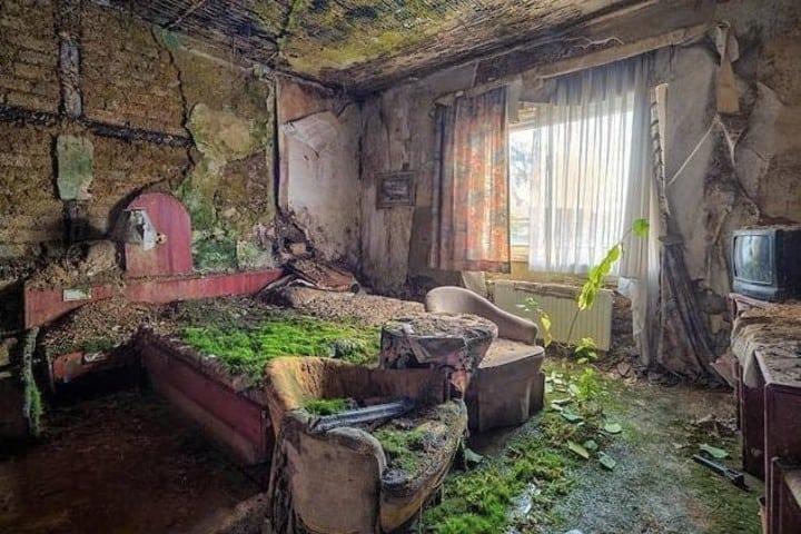 Habitación del hotel abandonado Foto: Destinos Ya