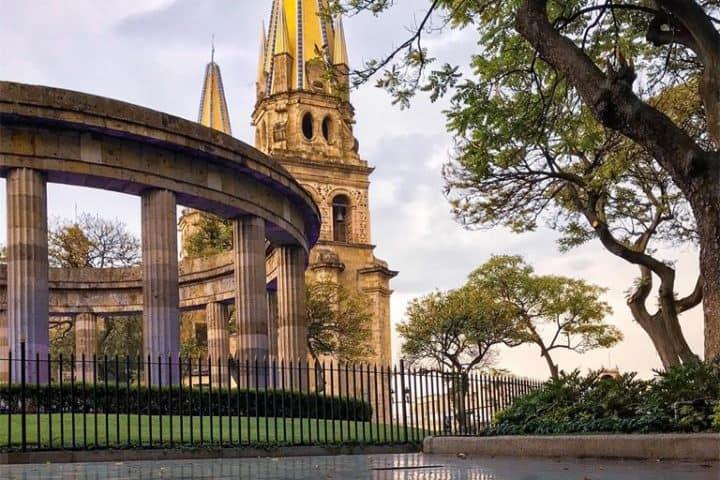 La catedral y la rotonda se encuentran juntas. Foto: Jesús Álvarez