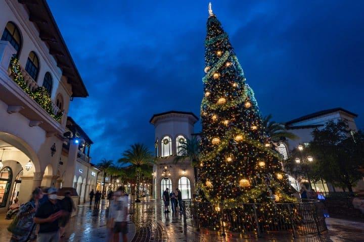 Disney Springs se pone en modo navideño. Foto: Archivo
