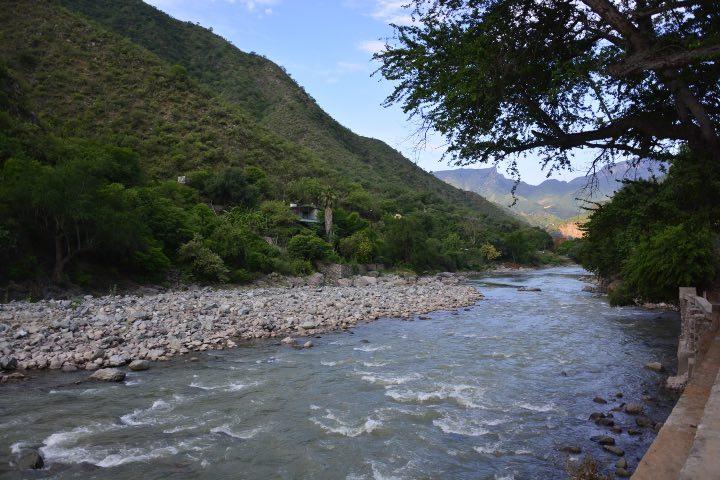 El Pueblo Mágico de Batopilas, Chihuahua creció a lado del río. Foto: Archivo