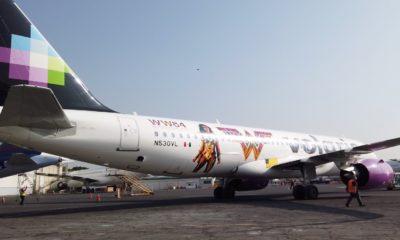 El avión de Volaris en conjunto con la Mujer Maravilla. Foto: Archivo