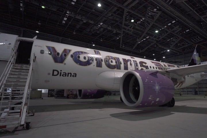 El avión de Volaris lleva el nombre de la Mujer Maravilla. Foto: Archivo