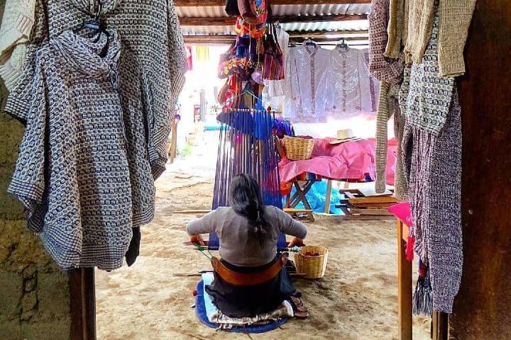 El increíble y agotador trabajo de las tejedoras. Zinacantán. Imagen: _alimu_