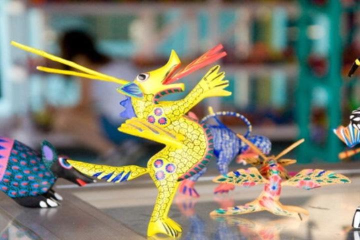 En Oaxaca puedes hacer tu propio alebrije con una familia de artesanos ¡Que fantástico! Foto: Archivo
