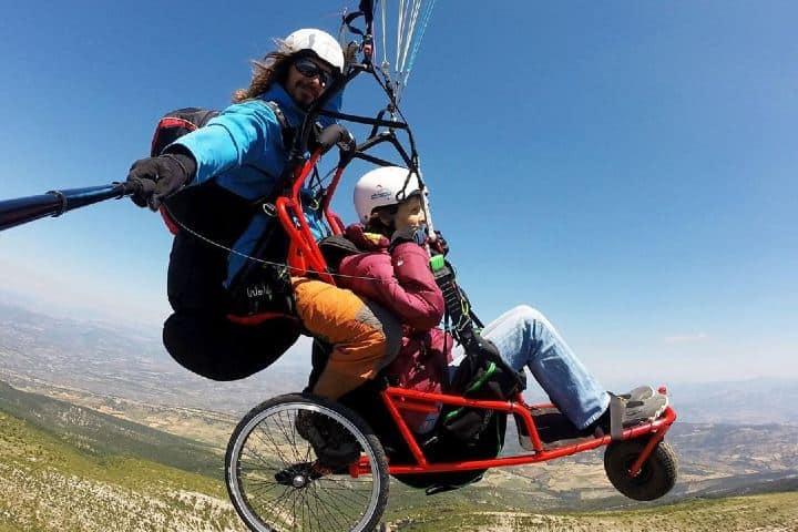 En el aire también hay adaptaciones. Imagen: entrenuvols, ¿Qué es el turismo incluyente?