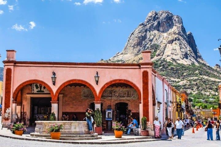 Bernal es uno de los destinos que te recomendamos para pasar un grandioso fin de semana en México. Foto: Bernal Pueblo Mágico