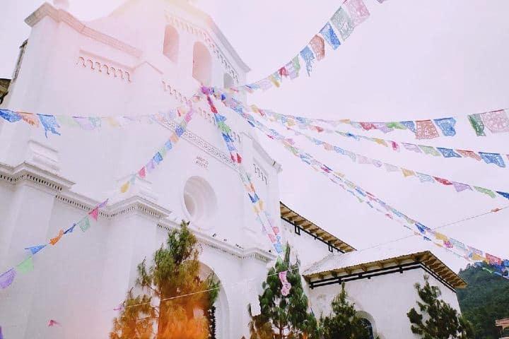 Iglesia de San Lorenzo Zinacantán. Imagen: tabikoma123