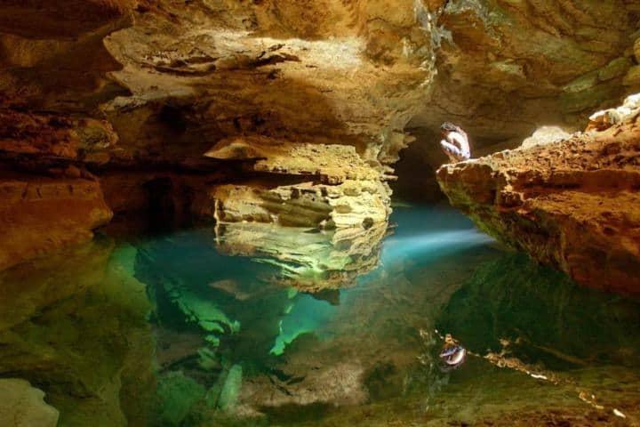 Interior de las Grutas de Cacahuamilpa. Foto: Wix