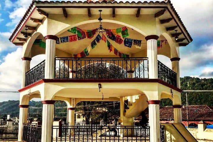 Koisco de San Lorenzo Zinacantán. Imagen: jontycrane