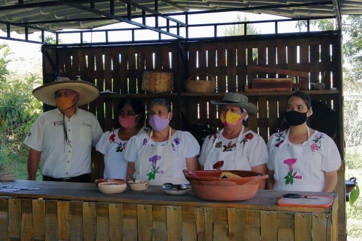 Las Cocineras Tradicionales de Pénjamo ¡Cocinan delicioso! Foto: Fernando Bautista