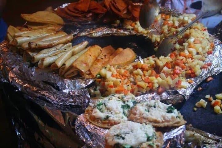 Los tacos rojos son un manjar ¡Tienes que probarlos! Foto: Archivo