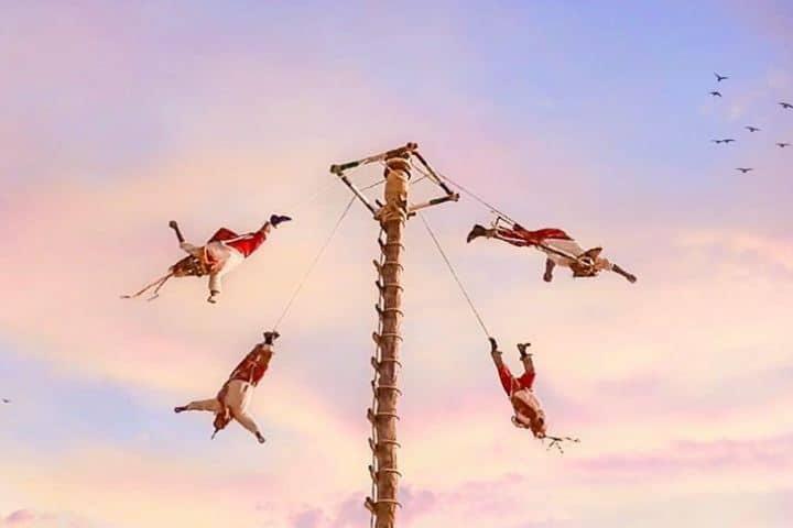 Los voladores de Papantla o los hombres pájaro de origen totonaco. Foto: equipajedemano_