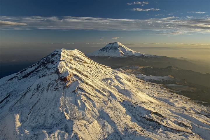 Los-volcanes-Izta-y-Popo.-Foto_-National-Geographic