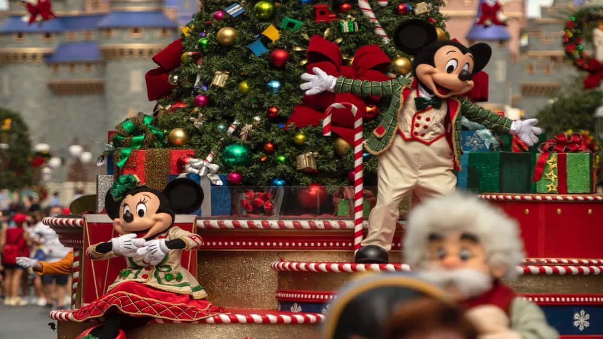 Mickey y Minnie en Magic Kingdom celebrarán la Navidad en Disney World Resort. Foto: Archivo