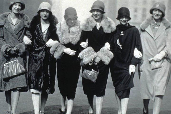 Mujeres de la época ¿Irías vestida así? Foto: La Nación