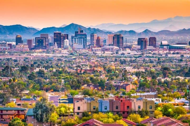 Las coloridas casas de Phoenix hacen que el paisaje sea espectacular. Foto Apartmen List