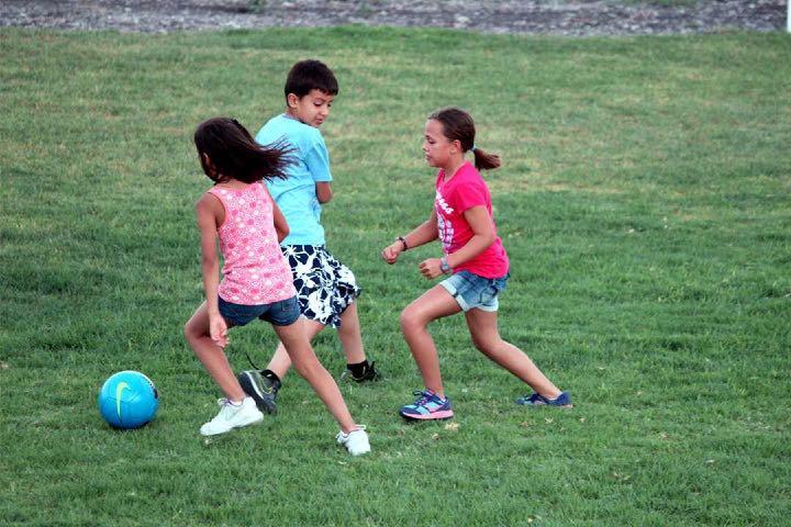 Pon a prueba tus habilidades deportivas. Foto: Ecocamp Providencia