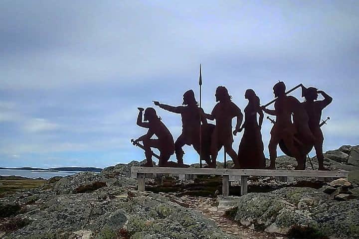 Señalización de vikingos dentro del sitio antiguo Foto aw_nps