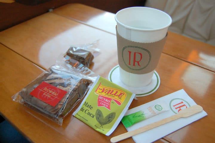 Snacks-en-el-tren.-Foto-Yusuke-Kawasaki