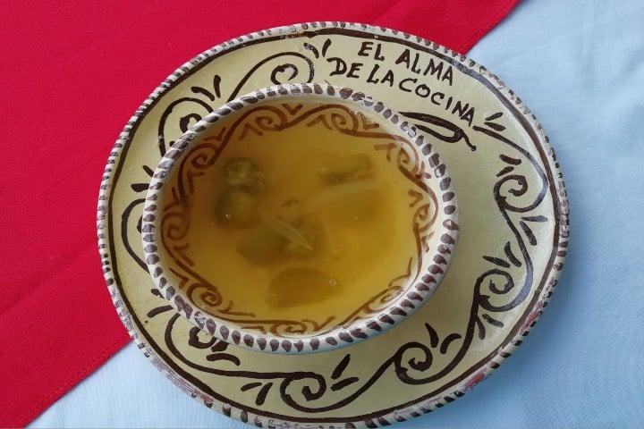 Un delicioso caldo de xoconostle hecho por las Cocineras Tradicionales de Pénjamo. Foto: Julio García Castillo