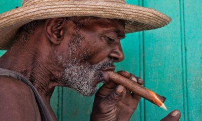 Un habano de Cuba se disfruta bien. Foto: Pinterest