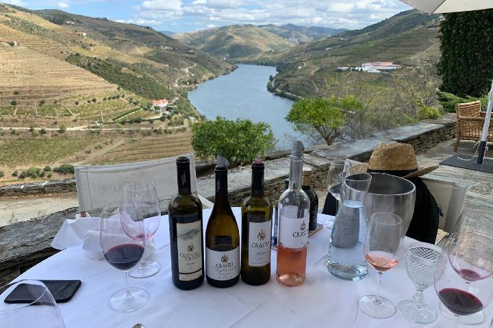 Toma un vino con vista al río ¡Es impresionante! Foto: TripAdvisor