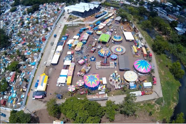 Vista aérea de la feria. Foto: Archivo