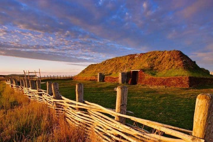 Vive la experiencia de vivir como vikingo en L'Anse aux Meadows en Canadá. Foto: heritagesites