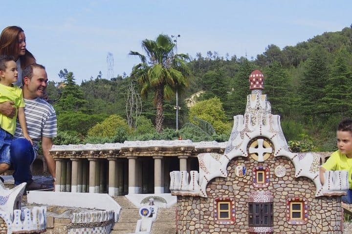 barcelona-spain-in-miniature-parc-guell-2